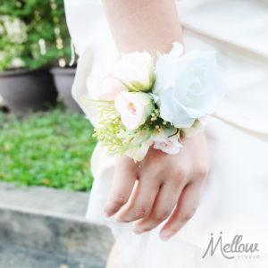 mellow_studio_wedding_flowers_wrist_corsage_071016